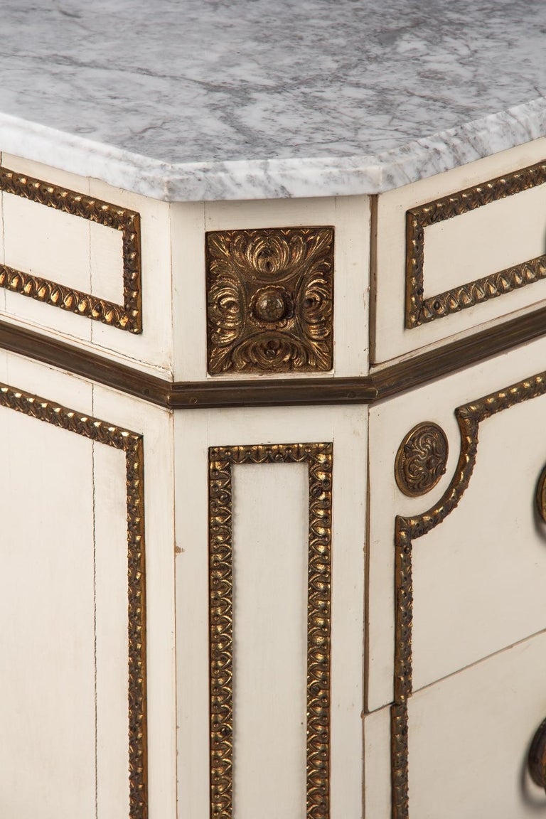 20th Century Italian Painted Chest of Drawers with Marble Top in Louis XVI Style, 1940s For Sale