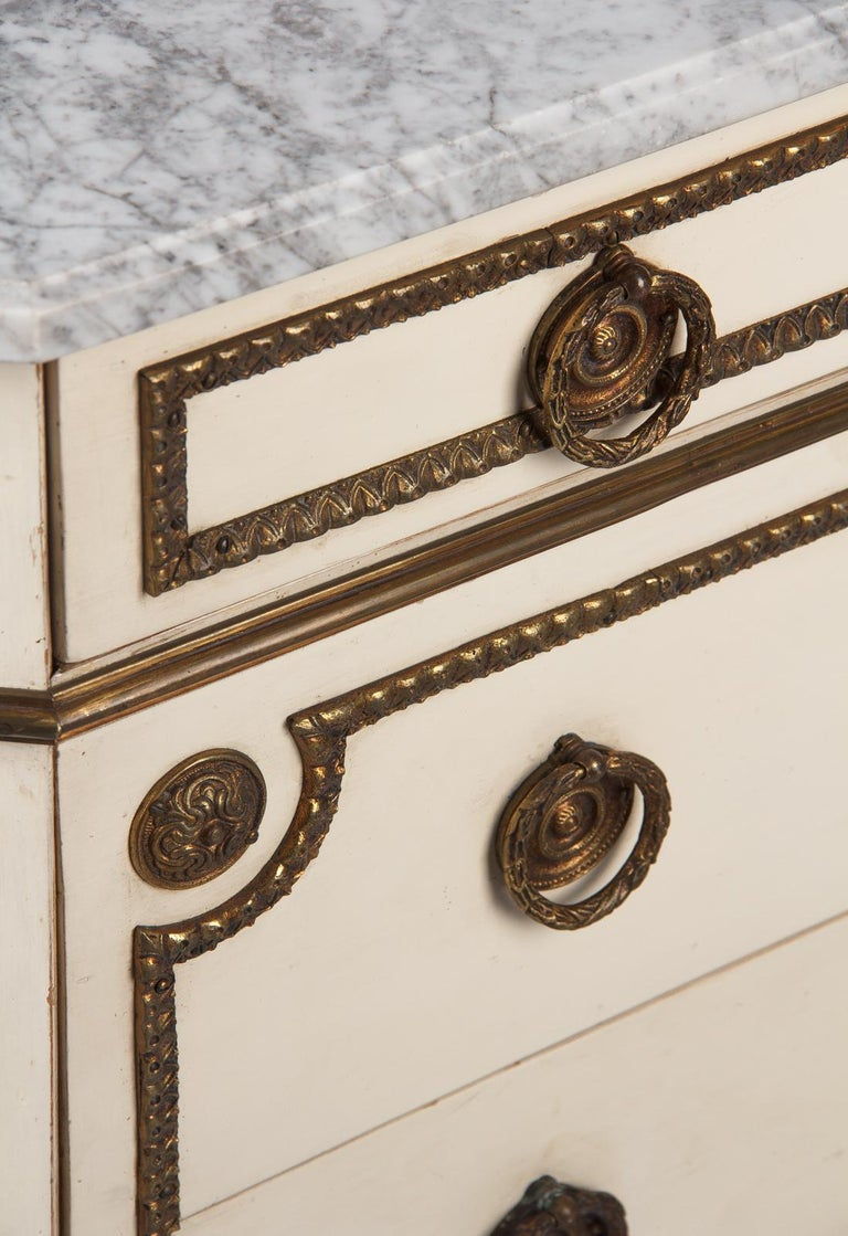 Italian Painted Chest of Drawers with Marble Top in Louis XVI Style, 1940s For Sale 1