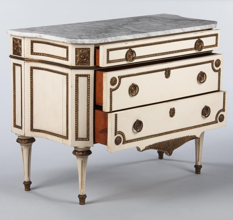 Italian Painted Chest of Drawers with Marble Top in Louis XVI Style, 1940s For Sale 3
