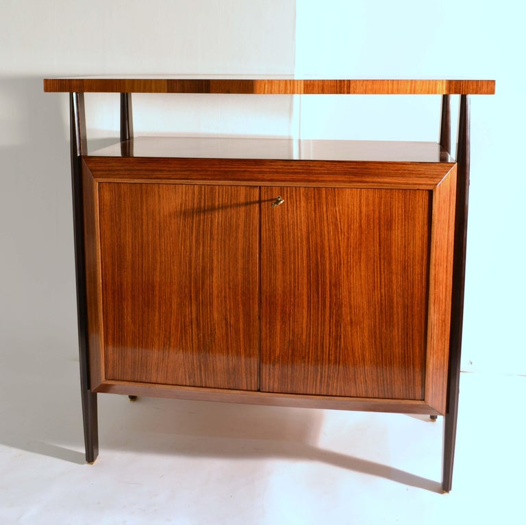 Pair of Cabinets in Blond & Palisander Veneers Attributed to Ico Parisi 1955 In Excellent Condition For Sale In London, GB