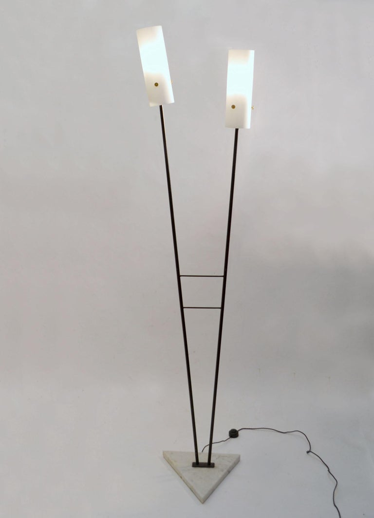 Pair of Black and White Floor Stilnovo Style Lamps, 1960's Italy  For Sale 1