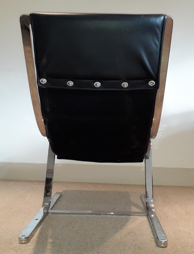 Italian Pair of Chrome & Leather Armchairs For Sale 3