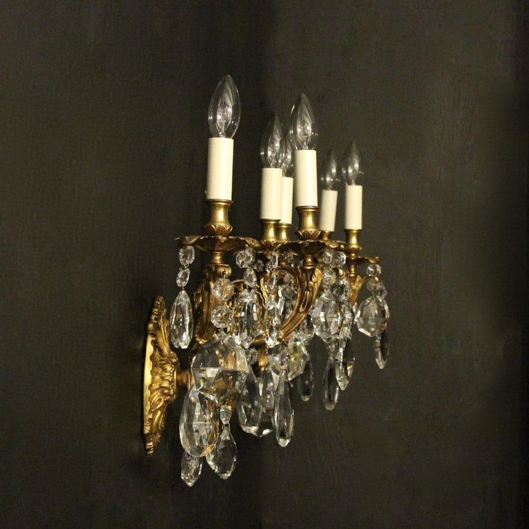 Italian Pair of Gilded Bronze and Crystal Antique Wall Lights For Sale 5