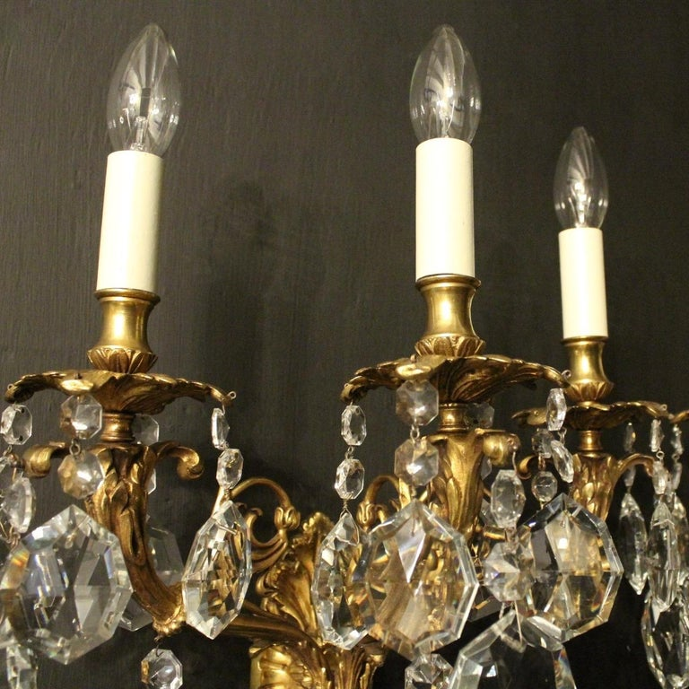 Italian Pair of Gilded Bronze and Crystal Antique Wall Lights In Good Condition For Sale In Chester, GB