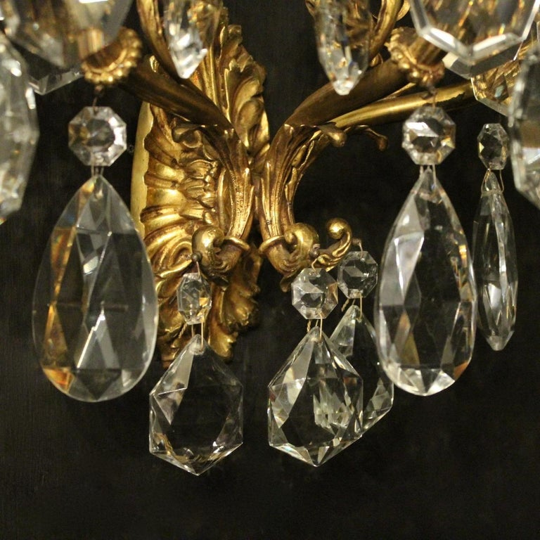 Italian Pair of Gilded Bronze and Crystal Antique Wall Lights For Sale 1