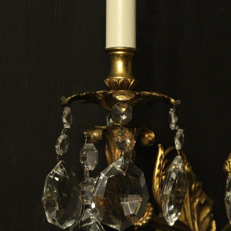 Italian Pair of Gilded Bronze and Crystal Antique Wall Lights For Sale 2