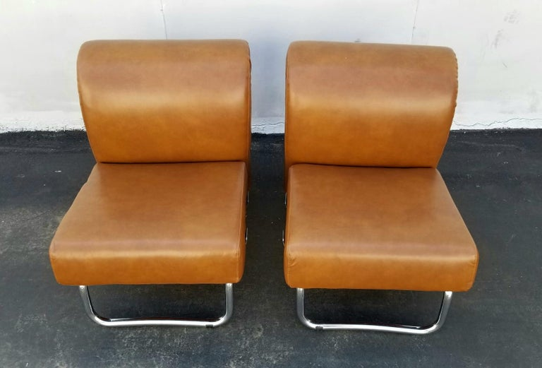 Mid-Century Modern Italian Pair of Lather Chairs For Sale