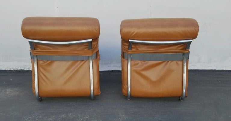 Italian Pair of Lather Chairs For Sale 1