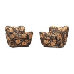 Italian Pair of Lounge Chairs in Floral Upholstery by Molteni