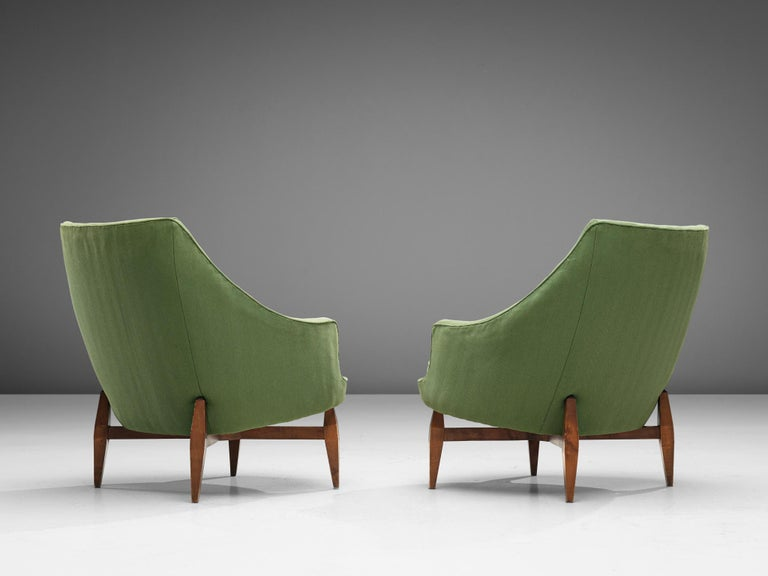 Mid-Century Modern Italian Pair of Lounge Chairs with Soft Green Upholstery For Sale