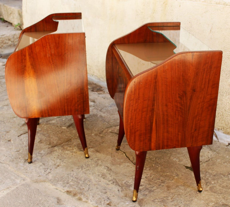 Italian Pair of Nightstands Attributed to Paolo Buffa In Good Condition For Sale In Los Angeles, CA
