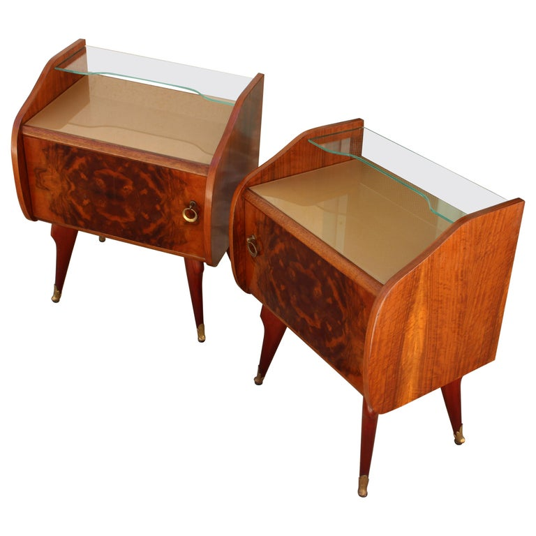 Italian Pair of Nightstands Attributed to Paolo Buffa For Sale