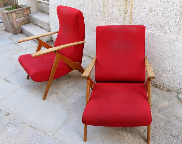 Italian Pair of Recliner Chairs by Antonio Gorgone In Distressed Condition For Sale In Los Angeles, CA
