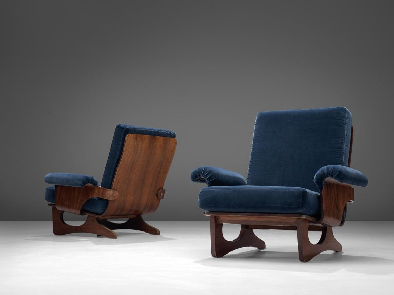 Italian Pair of Rosewood Lounge Chairs in Blue Velvet For Sale 1