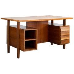Italian Partner's Desk