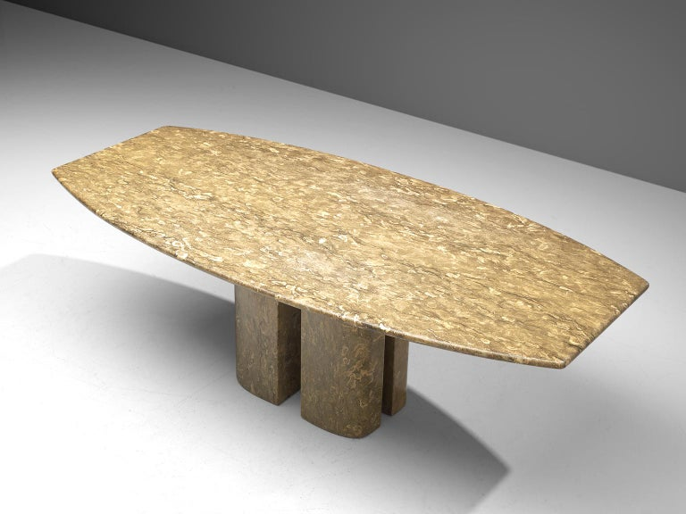 Italian Pedestal Dining Table in Marble For Sale 1
