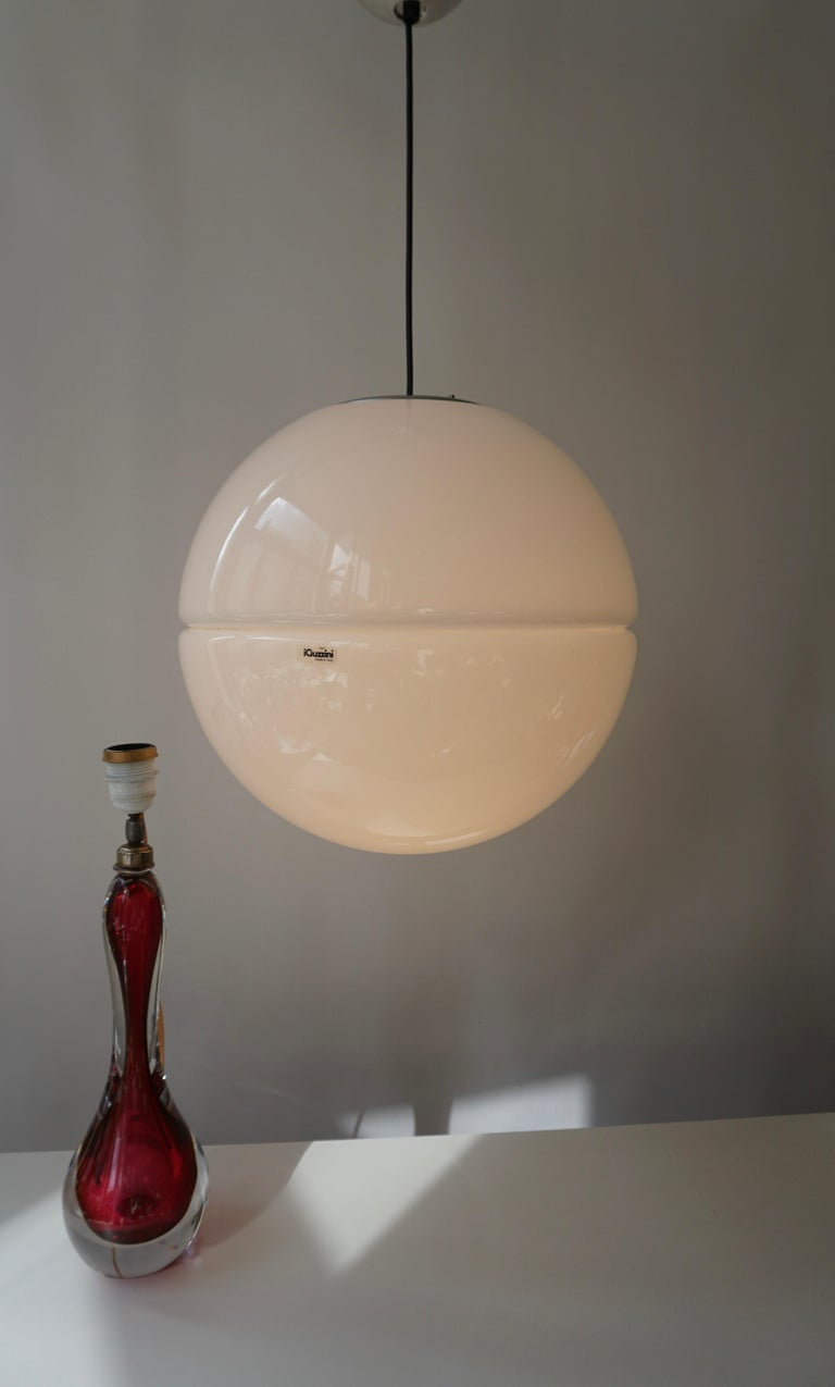 Italian Pendant Lamp by Harvey Guzzini White Plastic Chrome, 1960s In Good Condition For Sale In Antwerp, BE