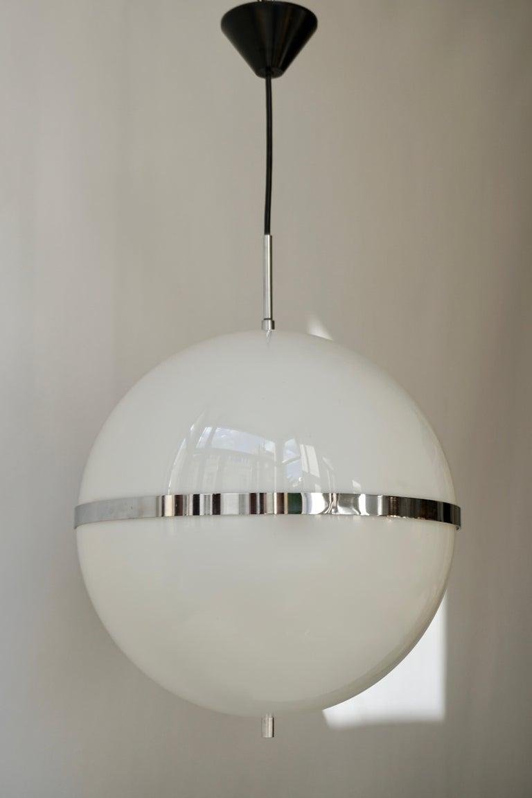 Italian Pendant Lamp in White Plastic and Chrome, 1970s For Sale 5