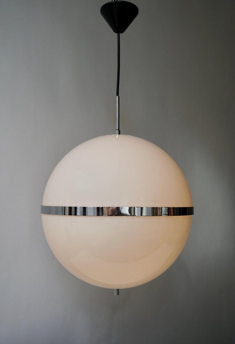 Italian Pendant Lamp in White Plastic and Chrome, 1970s For Sale 3