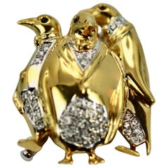 Italian Penguin Brooch 18 Karat Yellow Gold