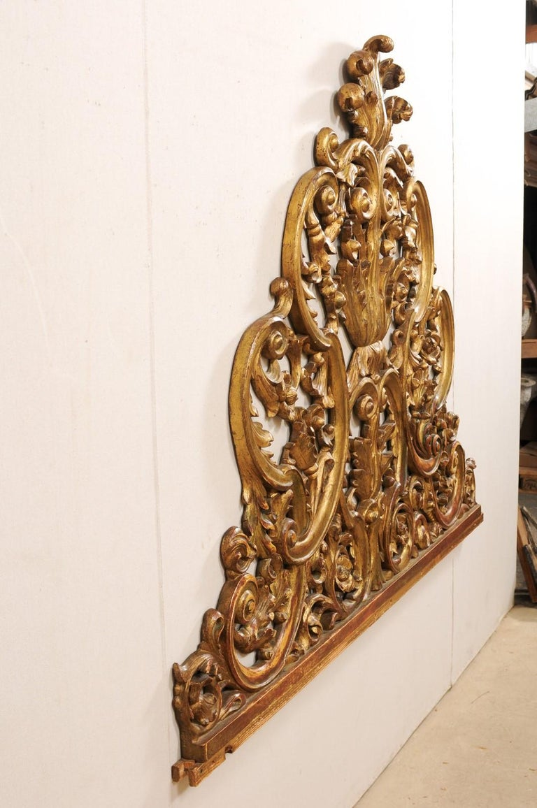 Italian Pierce-Carved and Giltwood Fragment Stands Great Headboard For Sale 3