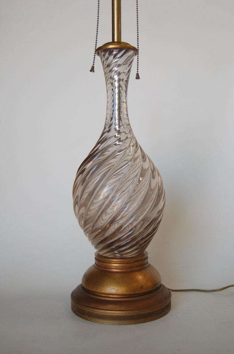 Mid-Century Modern Italian Pink Metalic Swirled Murano Glass Table Lamp on Gold Wood Base For Sale