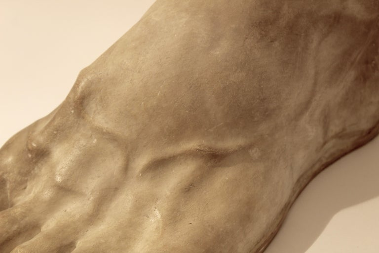 Italian Plaster Cast of the Foot of the Emperor Constantine, circa 1950 For Sale 2