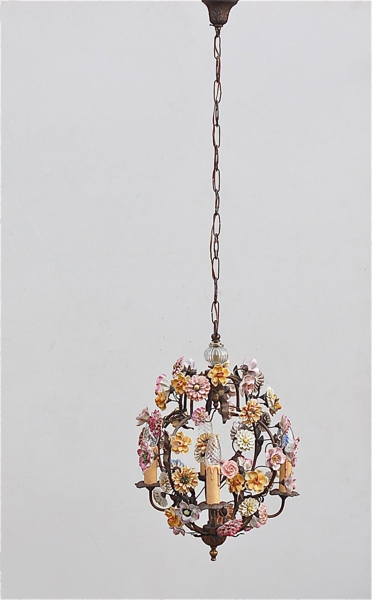 Italian Porcelain Flower Chandelier, 1950s For Sale 4