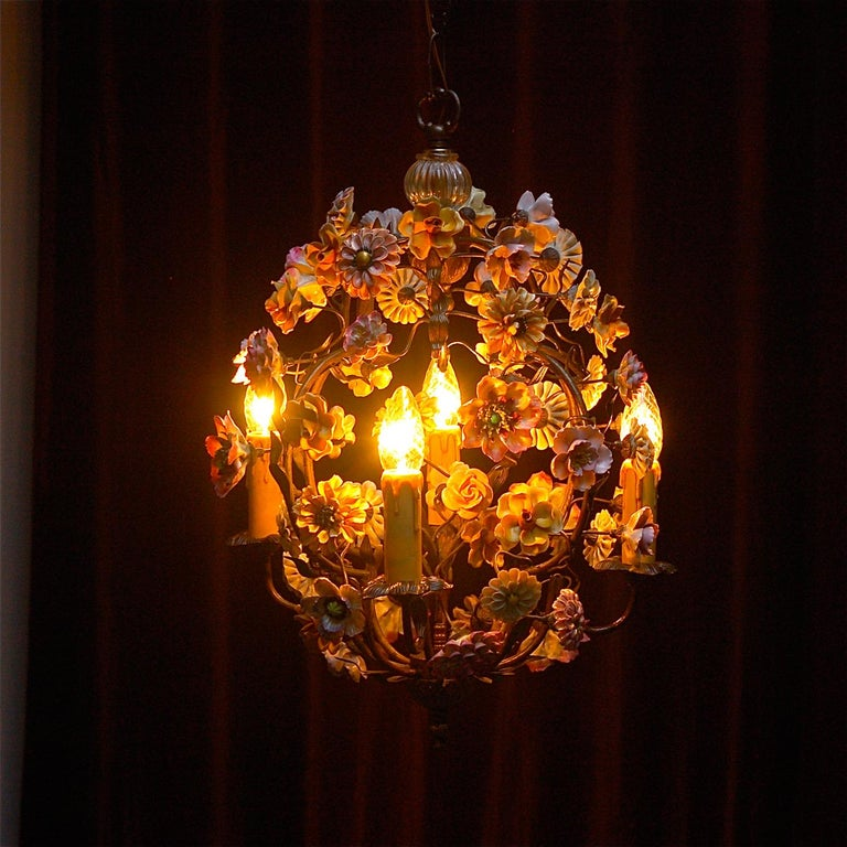Italian Porcelain Flower Chandelier, 1950s For Sale 5