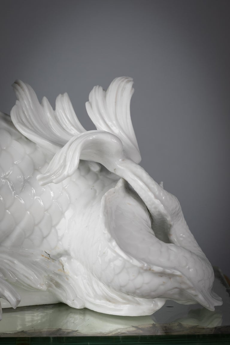 Italian Porcelain White Dolphin Group on Bronze Base, Ginori, circa 1860 In Good Condition For Sale In New York, NY