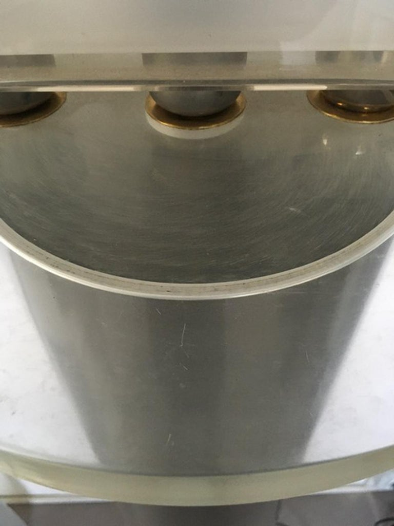 Italian Postmodern Design 1970 Lacquered Aluminium Floor Lamp with Plexiglass For Sale 4