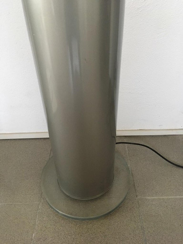 Post-Modern Italian Postmodern Design 1970 Lacquered Aluminium Floor Lamp with Plexiglass For Sale