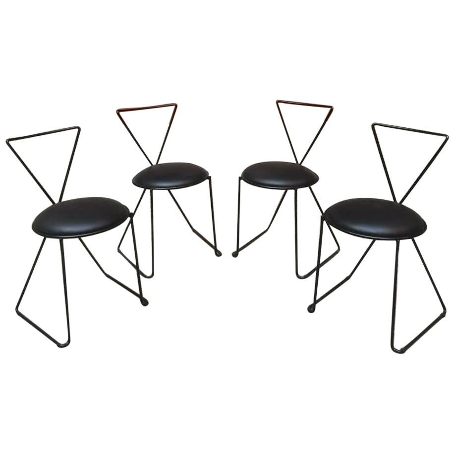Italian Postmodern Set of 4 Black Painted Iron Rod and Leather Chairs, 1980s