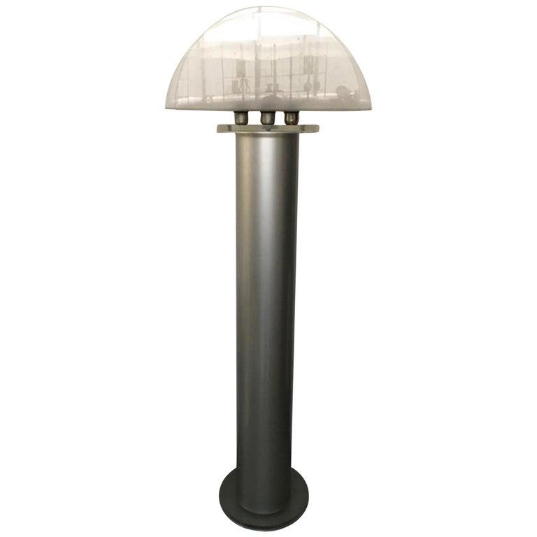 Italian Postmodern Design 1970 Lacquered Aluminium Floor Lamp with Plexiglass For Sale