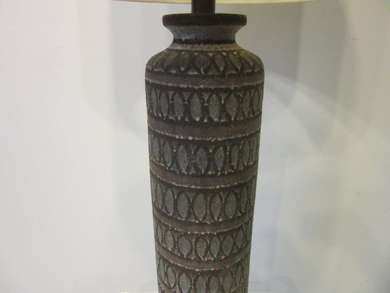 Mid-Century Modern Italian Pottery Lamp in the Style of Fantoni For Sale