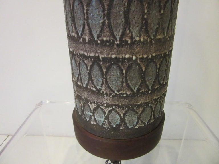 20th Century Italian Pottery Lamp in the Style of Fantoni For Sale