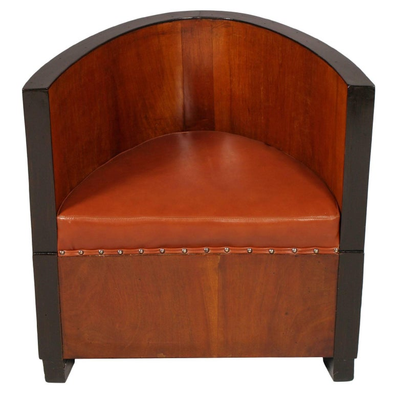 """Italian """"Pozzetto"""" Armchair by Meroni & Fossati Restored New Leather Upholstery For Sale"""