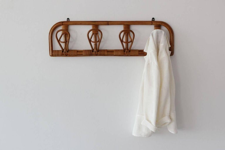 Italian Rattan Coat Rack In Good Condition For Sale In Los Angeles, CA