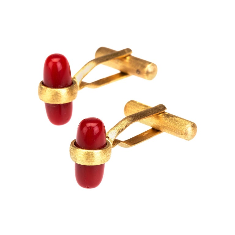 Italian red coral cufflinks 18 k brushed gold For Sale