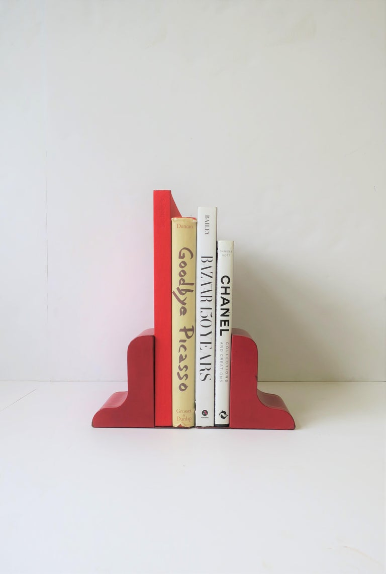 Italian Red Leather and Gold Bookends In Good Condition For Sale In New York, NY
