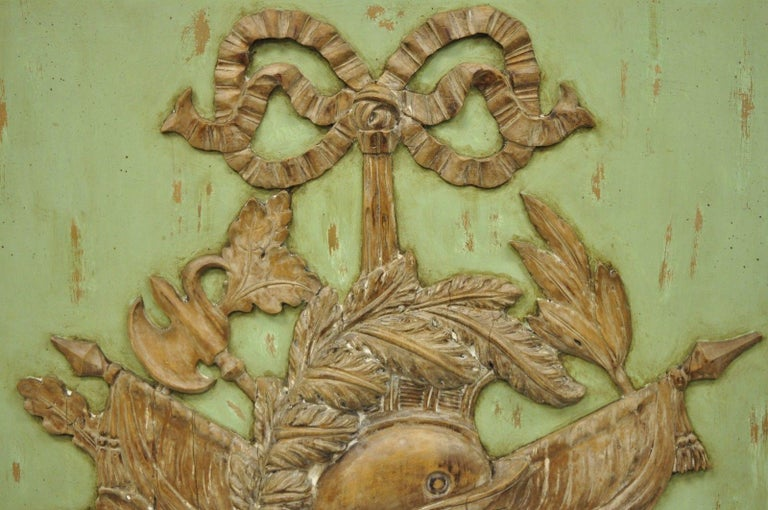 Italian Regency Hand-Carved Wood Coat of Arms Green Wall Plaque Art Frame Panel In Good Condition For Sale In Philadelphia, PA