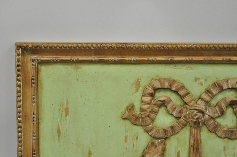 20th Century Italian Regency Hand-Carved Wood Coat of Arms Green Wall Plaque Art Frame Panel For Sale