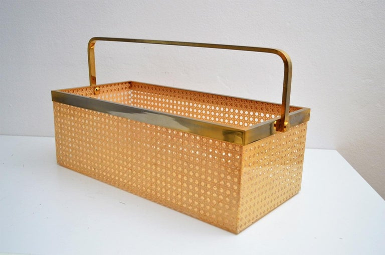 Italian Regency Lucite with Rattan and Gold-Plated Magazine Rack, 1970s For Sale 4