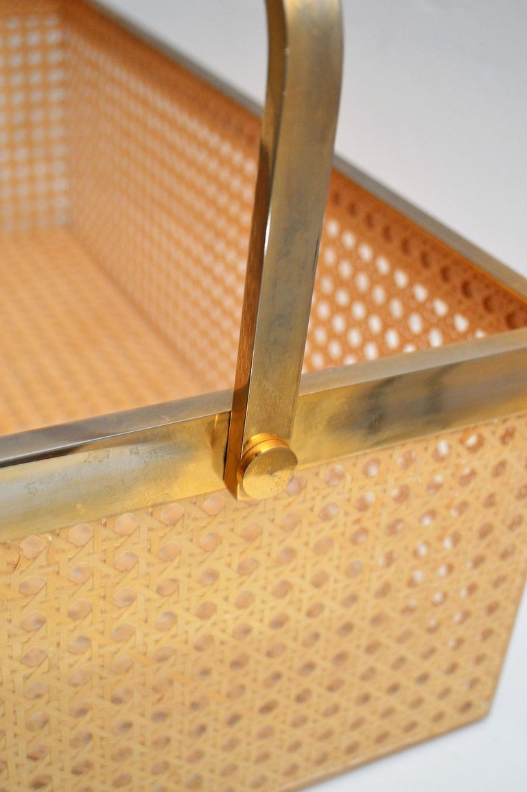 Italian Regency Lucite with Rattan and Gold-Plated Magazine Rack, 1970s For Sale 8