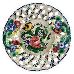 Italian Renaissance Revival Faïence Nove Rose Fretwork Appliqué Vide-Poche Dish