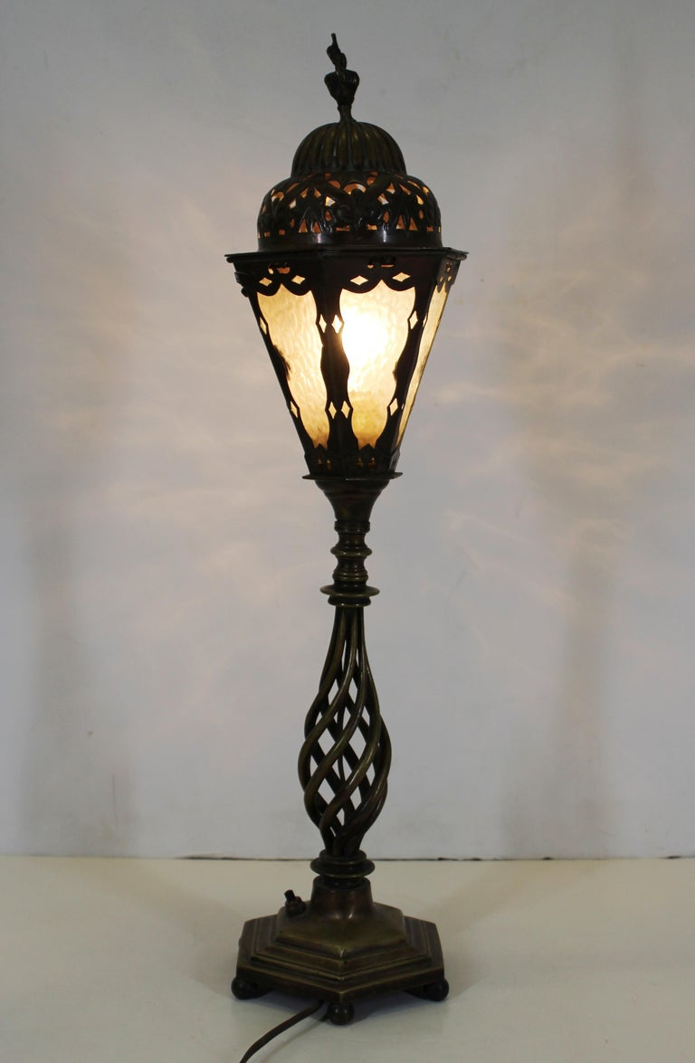 Italian Renaissance Revival Table Lamps in Brass Repousse and Cast Bronze For Sale 6