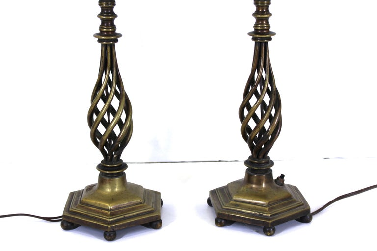 Italian Renaissance Revival Table Lamps in Brass Repousse and Cast Bronze In Good Condition For Sale In New York, NY