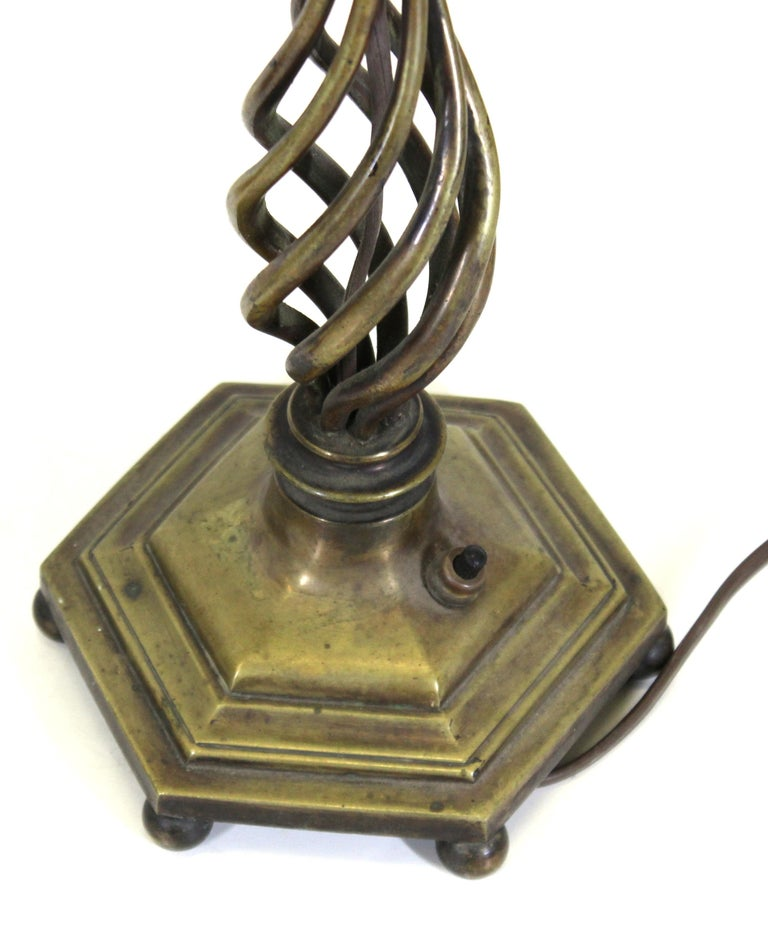 Italian Renaissance Revival Table Lamps in Brass Repousse and Cast Bronze For Sale 3