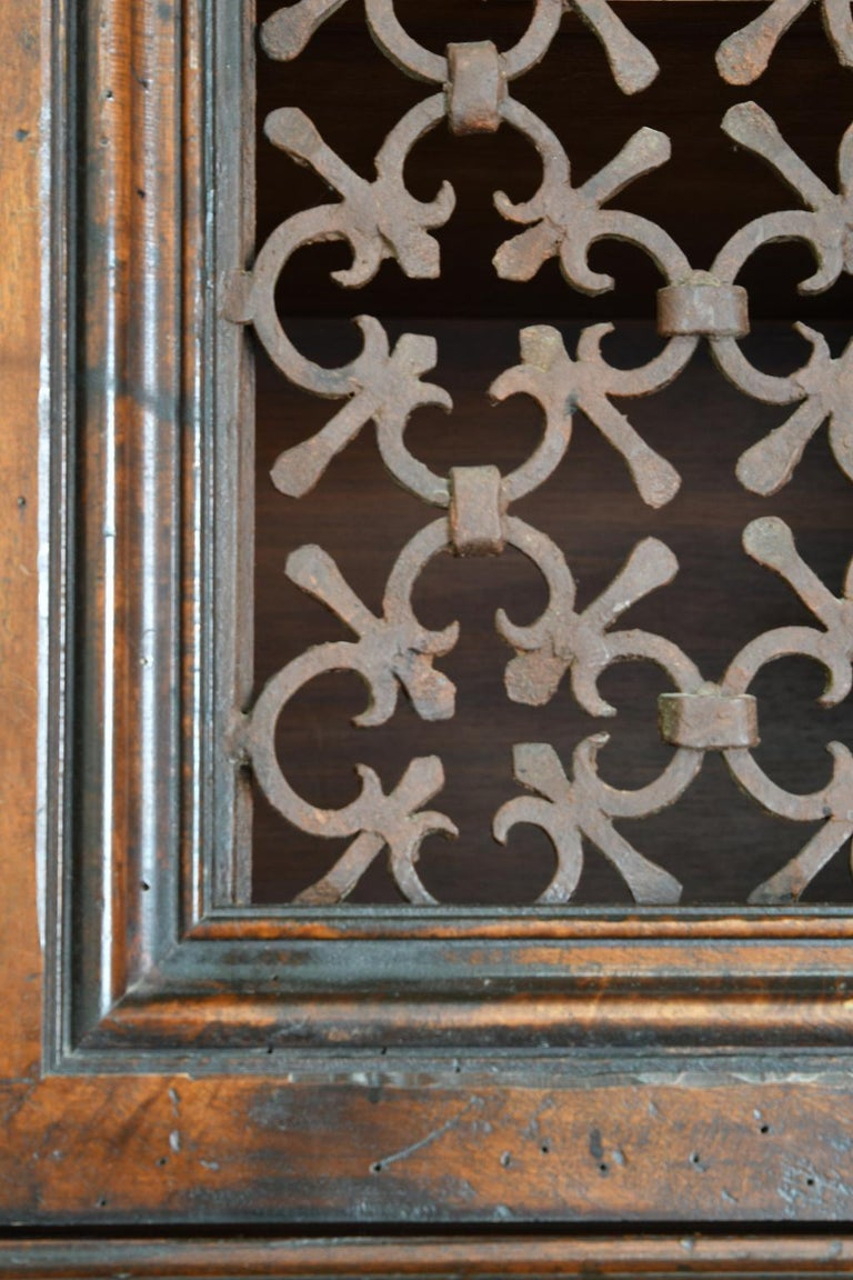 Italian Renaissance Style Walnut Bookcase Cabinet with Iron Quatrefoil Panels For Sale 7