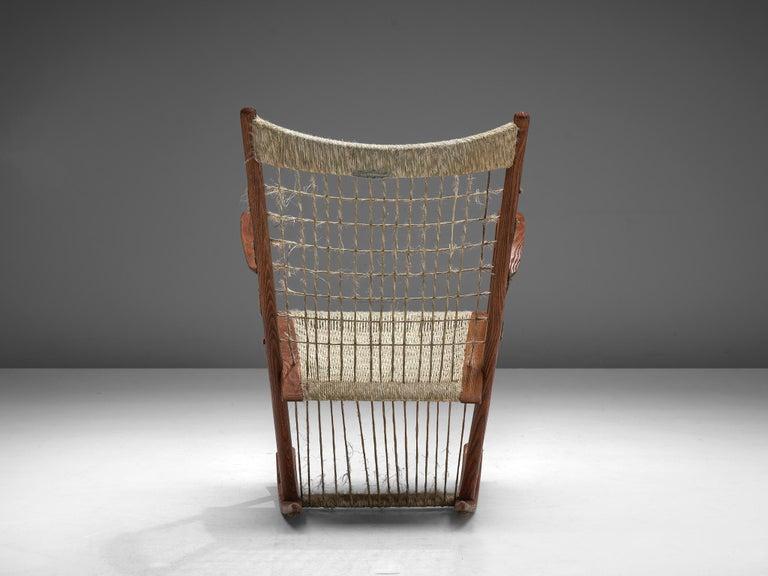 Mid-20th Century Italian Rocking Chair in Rope and Oak by Guglielmo Pecorini For Sale